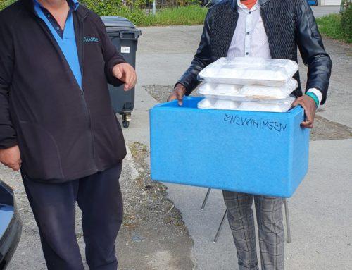 Enzweihingen Mescid-i Rasul Caminin Kadınlar Teşkilatı Mültecilere Iftar Yemeği Hazırladı